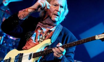 Chris Squire - Yes